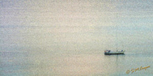 Lonely_boat_St_Martin_145-593
